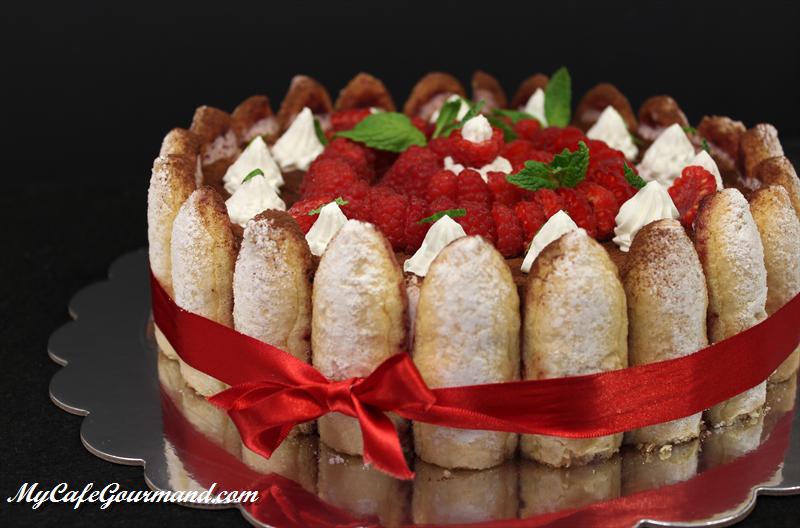 Berry Charlotte Cake