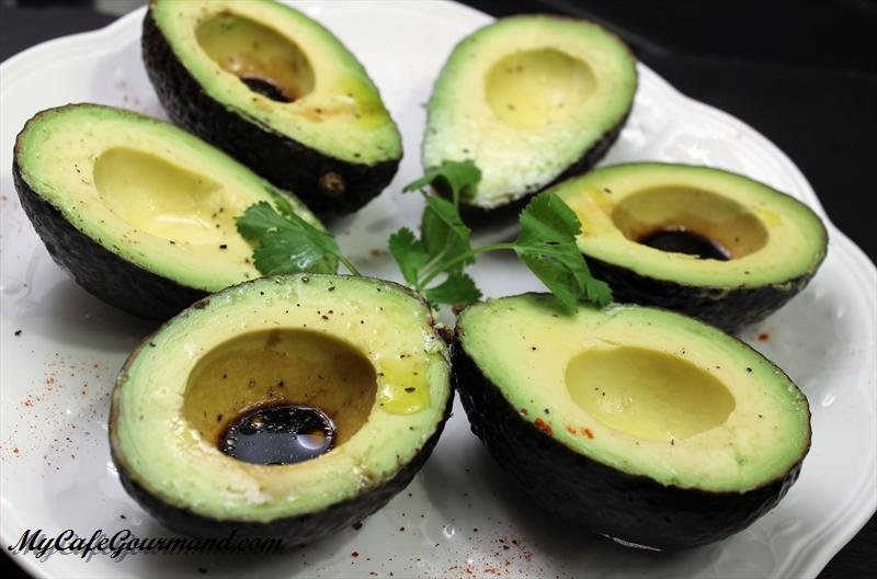 Avocado Boats With Balsamic Vinegar